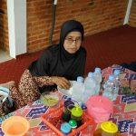 Urus Dokumen ,Disdukcapil Sediakan Makan Secara Gratis Untuk Para lansia